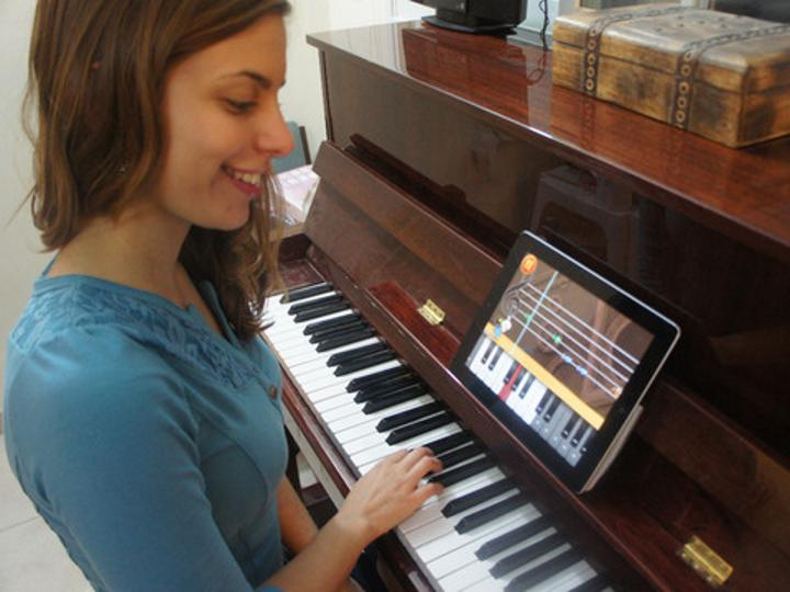 Piano Dust Buster ile piyano öğrenmek kolaylaşıyor