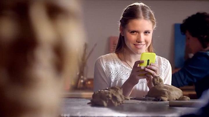 Nokia'nın gizemli Lumia modeli, Hollandalı mobil operatör KPN'nin reklam filminde ortaya çıktı