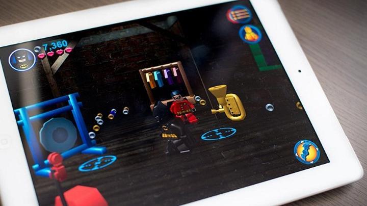 LEGO Batman: DC Super Heroes, iOS platformu için de yayınlandı