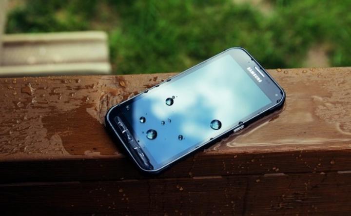 Samsun Galaxy S6 Active modeline ait teknik özelliklerin sızdırıldığı iddia ediliyor