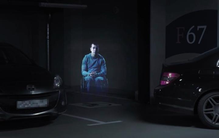 Engelli park yeri ihlallerine hologramlı çözüm