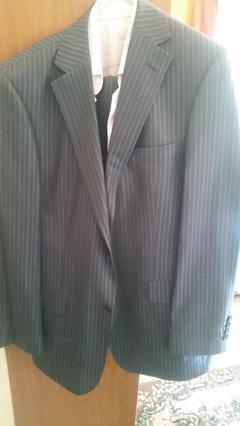 989fcd38a861b Son fiyattır, terzi falan görmedi, giyime dayalı deformasyon da yoktur.  takım elbisenin yanında sarardan aldıgım bir gömlek ve kol düğmeleriyle  beraber ...