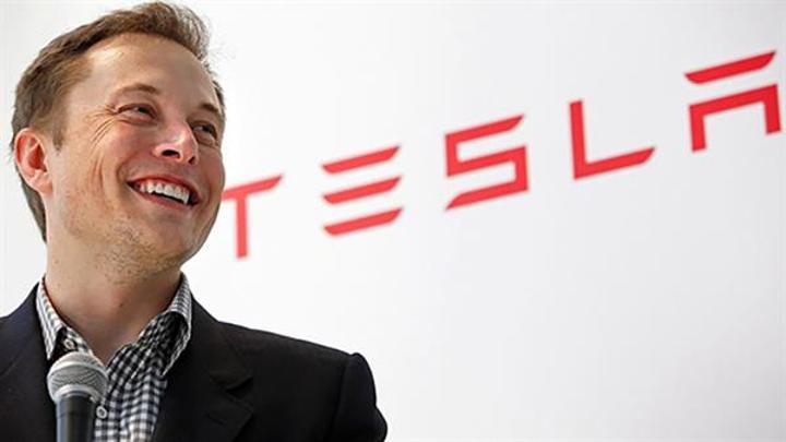 Elon Musk: Apple'ın otomobil ürettiği açıkça ortada