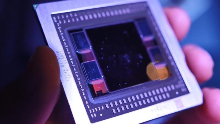 Samsung, sektörün ilk 4GB HBM2 DRAM üretimine başladı