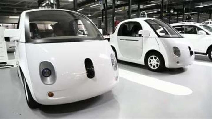 Google'ın sürücüsüz otomobil yazılımı bir şofördür!