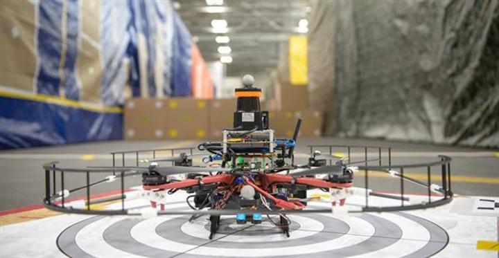 DARPA'dan saatte 70 km hıza ulaşabilen otonom iç mekan drone'u