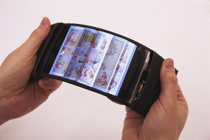 Dünyanın ilk işe yarayan bükülebilir telefonu geliştirildi