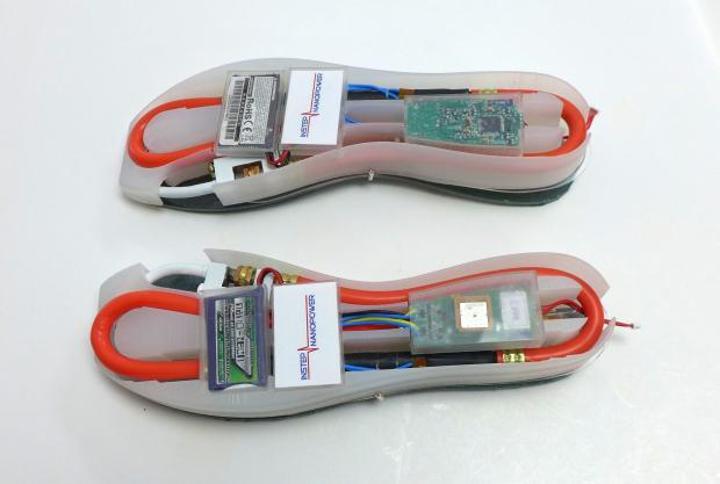 Yürüyerek akıllı telefon şarj etmede yeni ve daha iyi bir yöntem