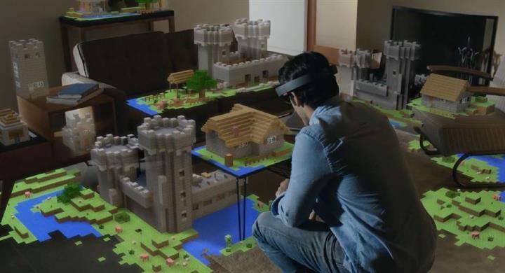 Microsoft'un sanal gerçeklik teknolojisi Hololens'in geliştirici kiti 3.000$