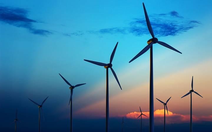 Yenilenebilir enerjide yatırım rekoru: Türkiye hangi konumda?