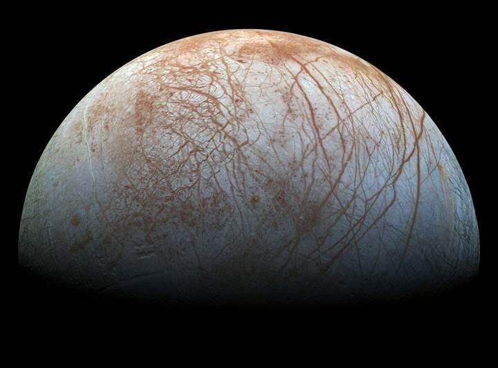 Dünya'ya benziyor: Jüpiter'in uydusu Europa'da yeni yaşam izleri