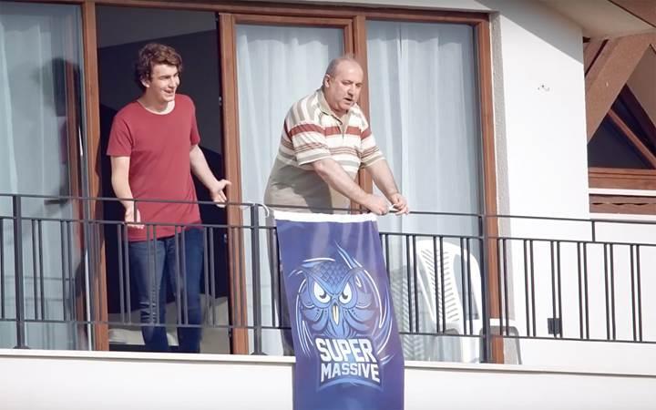 Türkiye'de caps'lerin en meşhur adamı bu kez reklam filminde oynadı