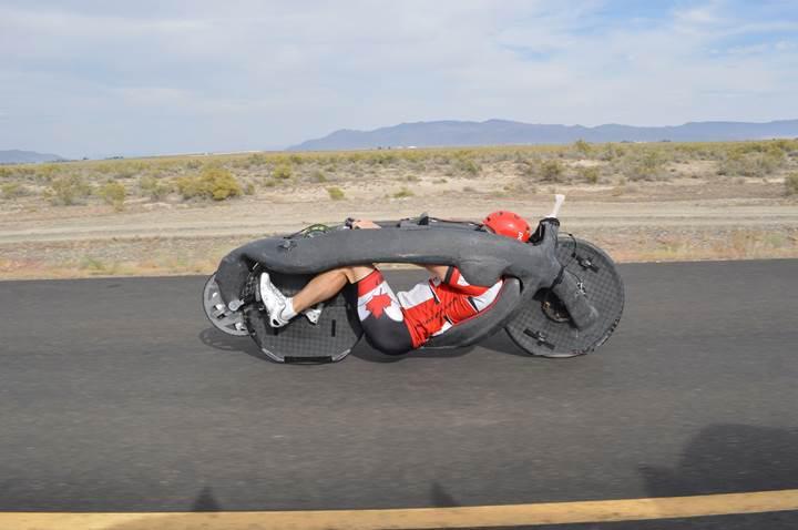 Bu enteresan bisiklet dünya hız rekoru kırdı