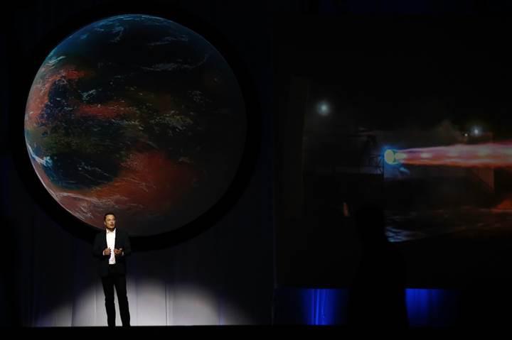 Elon Musk: Mars'a gidecek ilk insanlar ölmeye hazır olmalı
