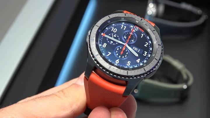 Özlemini çektiğimiz akıllı saat: Samsung Gear S3'ü kullandık