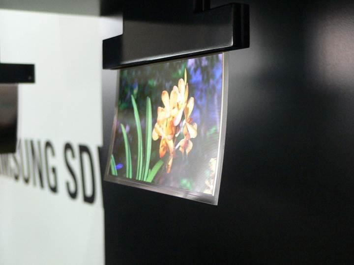 Gelecek yıl OLED ekran ve flash bellek darlığı yaşanacak