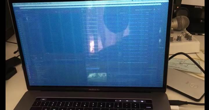 Yeni MacBook Pro'lar özellikle yük altında hata veriyor