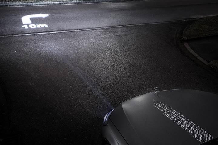 Mercedes'ten geleceğin far teknolojisi: Digital Light