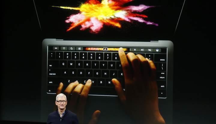 Touch Bar'lı yeni MacBook Pro'larda aniden kapanma sorunu başladı