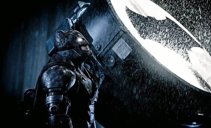 Justice League 2 ertelendi: Önce Ben Affleck'in Batman filmi gelecek