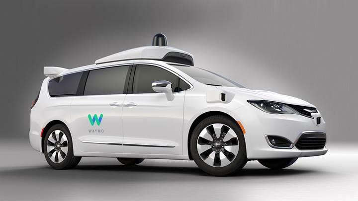 Chrysler ve Google'ın yeni otomotik pilotlu araçları hazır