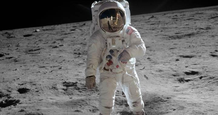 Ünlü astronot Neil Armstrong'un hayatı film oluyor