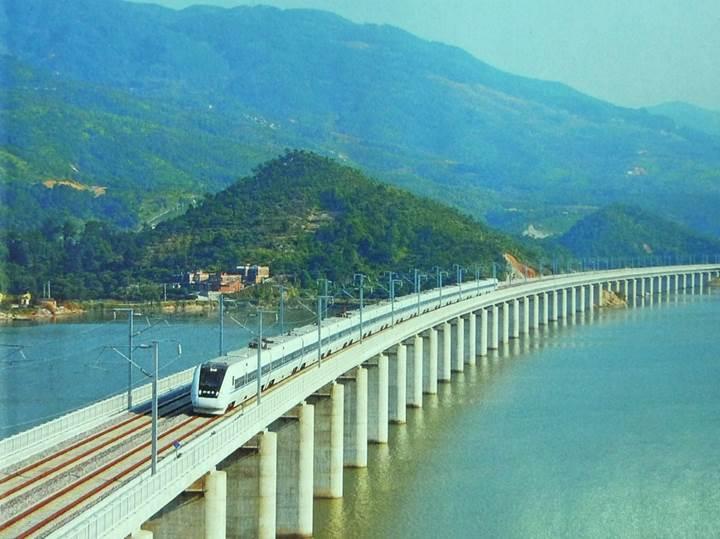 Çin'den 30.000 kilometrelik dev hızlı tren projesi