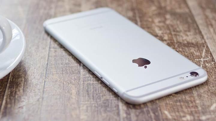 iPhone 8'in kablosuz şarj cihazı ücretli olacak