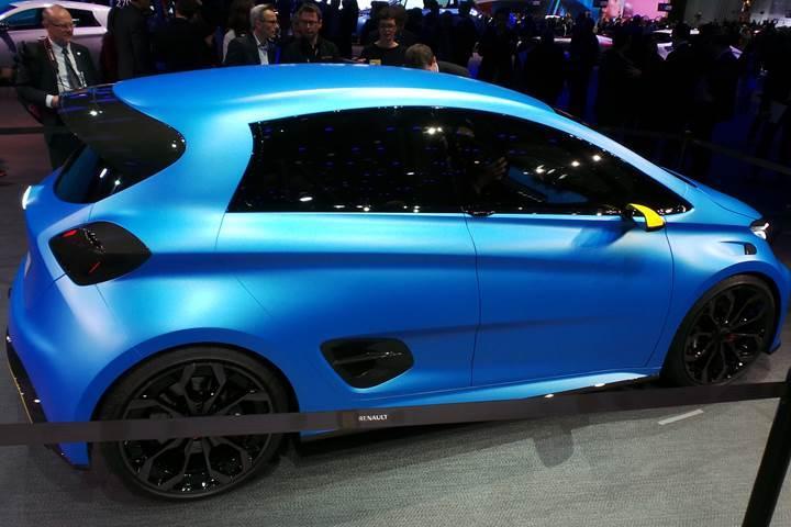 Renault'nun elektrikli hot hatchi ile tanışın: Zoe E-Sport Concept