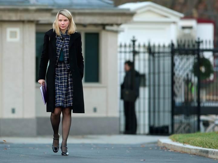 Yahoo'nun CEO'suna 23 milyon dolarlık servet