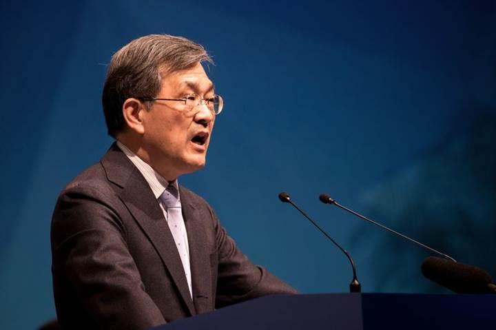 Samsung skandallar için hissedarlarından özür diledi