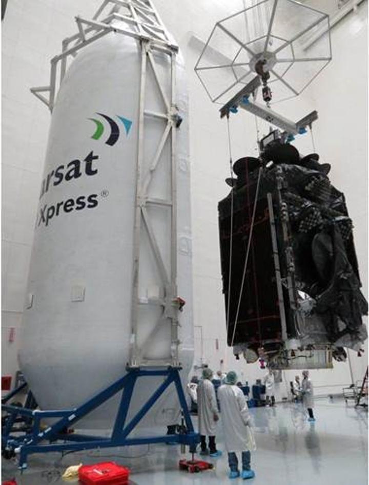 SpaceX en ağır yükünü başarıyla yörüngeye yerleştirdi