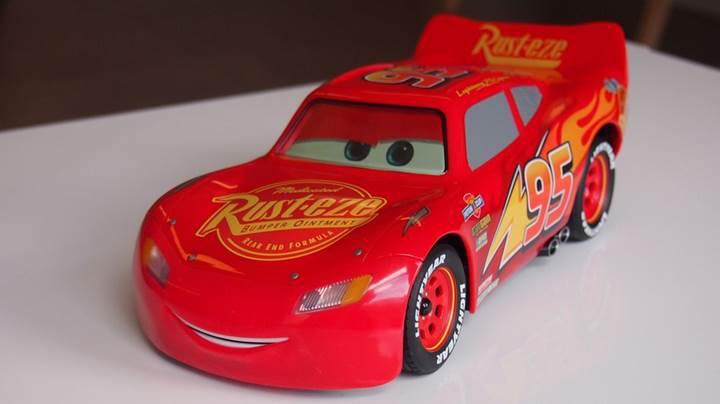 Sphero'dan mükemmel mimiklere sahip Şimşek McQueen arabası