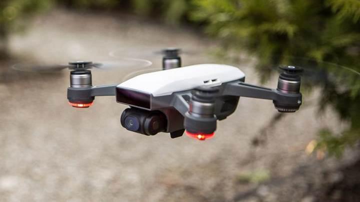 DJI en küçük Drone modeli Spark'ı duyurdu