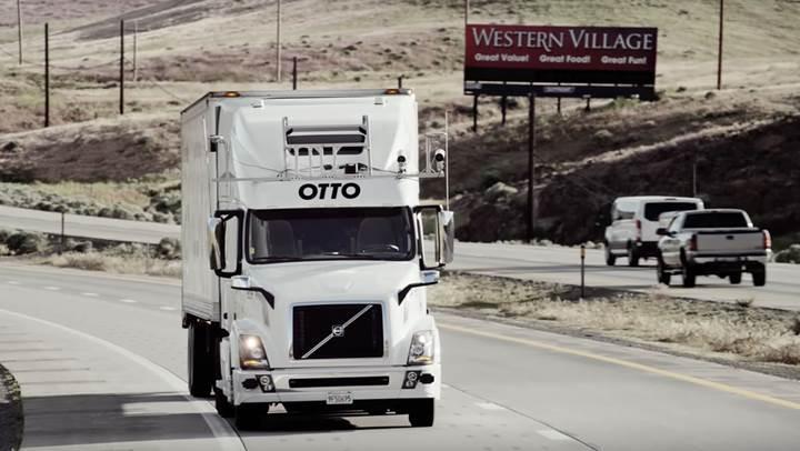 Waymo sürücüsüz kamyon geliştirdiğini duyurdu