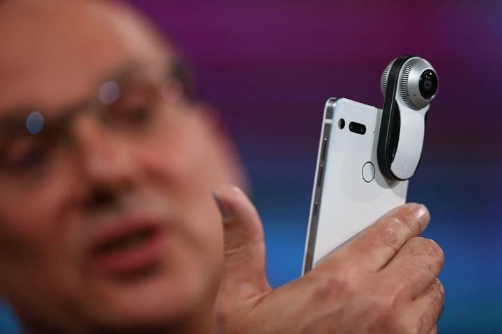Essential Phone prototipi halka açık alanda görüntülendi
