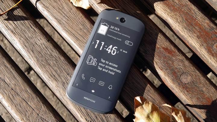 YotaPhone 3 geri döndü