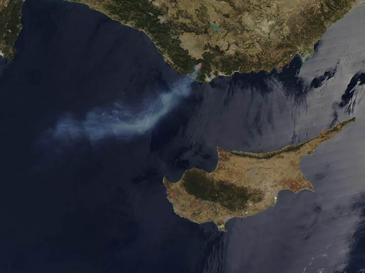 Mersin'de çıkan orman yangınını NASA'nın uydusu görüntüledi
