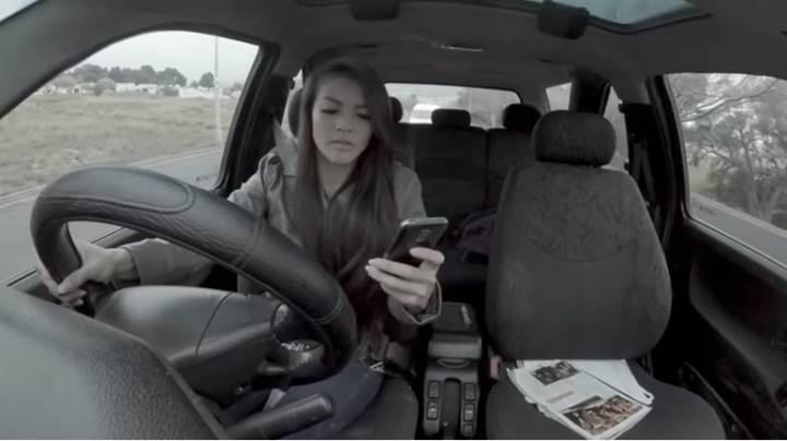 Akıllı telefon kullanırken hayatınızdan olmayın