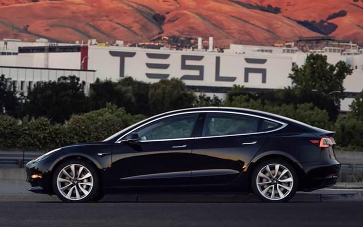 İlk Model 3'ler yarın sahiplerine teslim edilecek