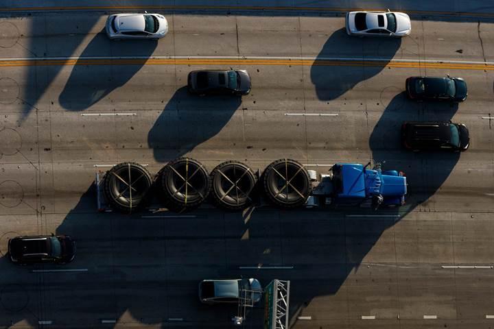 Tesla otonom tır konvoyu geliştiriyor