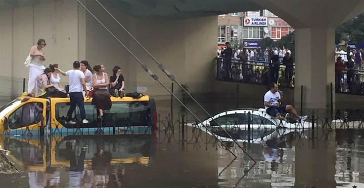 İstanbul'da Alarm: Meteoroloji'den sağanak ve dolu uyarısı yapıldı, Beykoz'da hortum çıktı!
