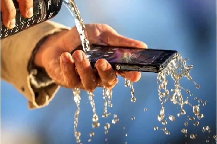 Sony sudan dolayı hasar gören telefonlara %50 geri ödeme yapacak