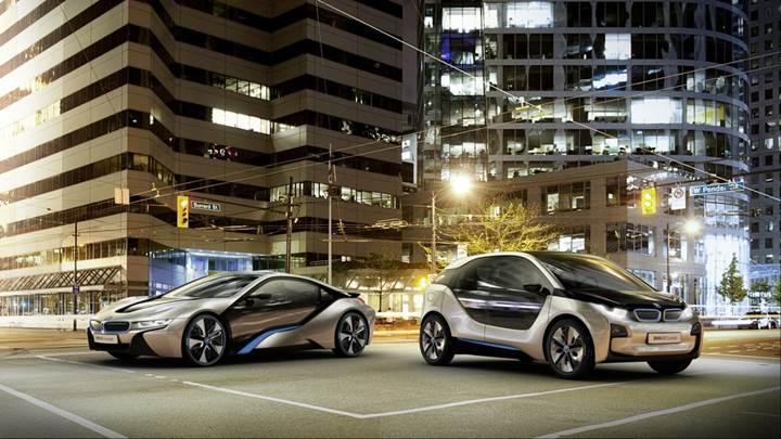 BMW, dört kapılı sedan bir