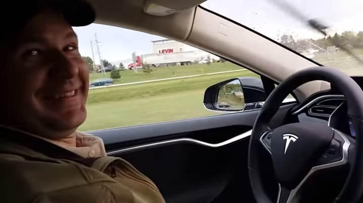 Tesla'nın ilk ölümlü kazasında otopilot suçlanabilir