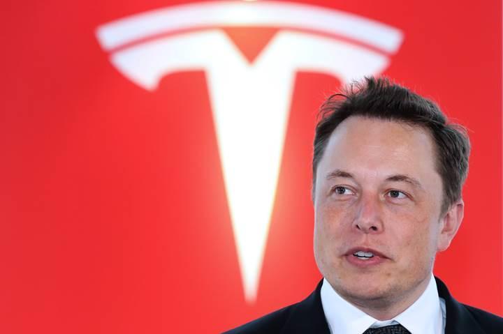 Tesla'nın otonom tırı gelecek ay tanıtılacak