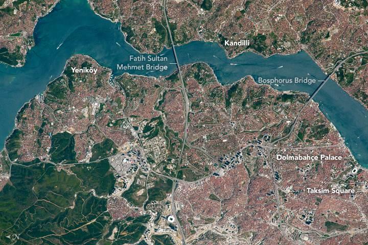 NASA'dan günün fotoğrafı: İşte İstanbul Boğazı'nın uzaydan muhteşem görüntüsü