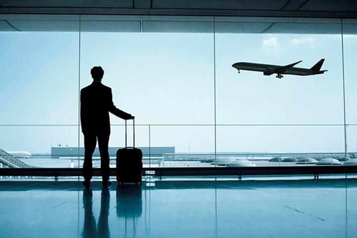 Yolcu yönetim sistemi çöktü: Dünya genelinde uçuşlar erteleniyor