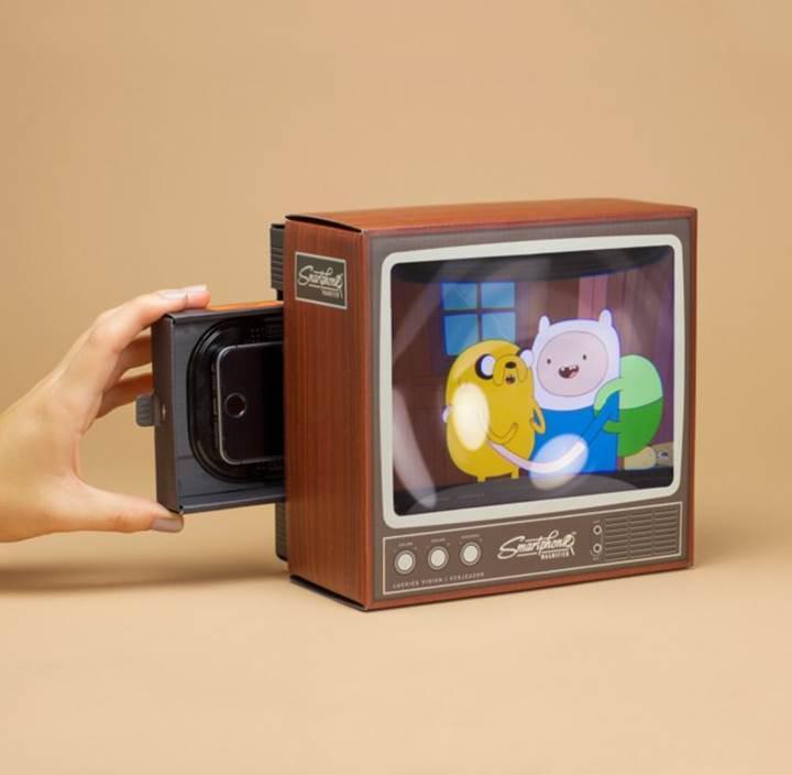 Akıllı telefon büyüteciyle telefonunuzu mini bir TV'ye dönüştürebilirsiniz
