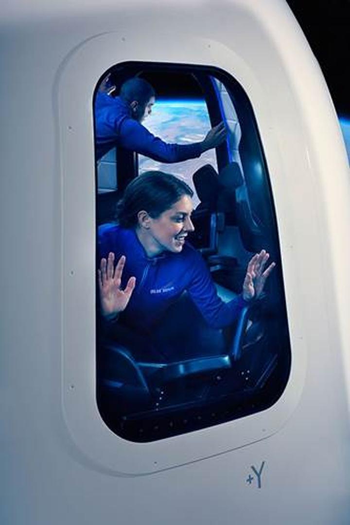 Blue Origin'in lüks uzay aracının içerisinden görüntüler